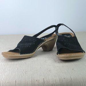 LifeStride Black Suede pump heel sandals